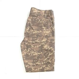 NWOT Under Armour Camouflage Cargo Pants 34x30